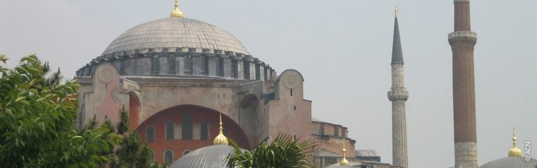 Estambul: ¿Podría Santa Sofía convertirse en una mezquita?